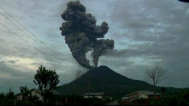 Vulkan Sinabung (2)