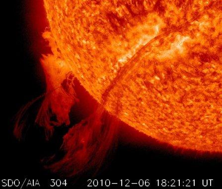 SDO-CME/06.12.2010-2