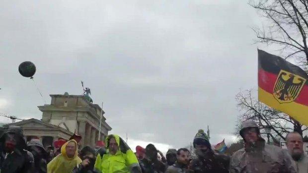Demo_Infektionschutzgesetzt_18.11.20_03 Hier wird Tränengas eingesetzt!!!